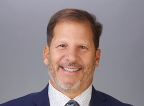 headshot of richard domsky, md
